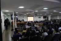 Juventude unaiense comanda o Plenário da Câmara Municipal